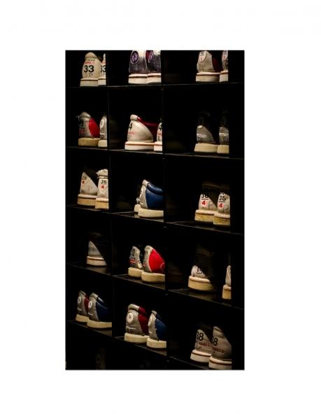 Leinwandbild Bowling - Shoes 120 x 80 cm