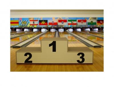 Leinwandbild Bowling - Siegerehrung 80 x 120 cm
